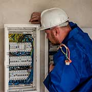 electrician in welling